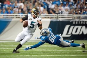 Bortles need to use his mobility behind a porous offensive line in Jacksonville (Tim Fuller/USA Today Sports)