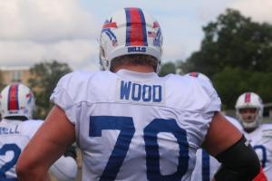 Wood is the man in the middle (BuffaloBills.com)