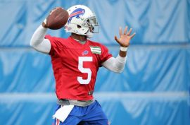 Tyrod Taylor's athleticism could be a factor whether or not he wins the job (Kevin Hoffman/USA Today Sports)