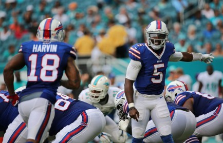 Tyrod Taylor has many Bills fans thinking the unthinkable: do the Bills have a quarterback?