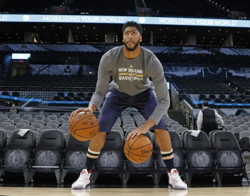 The New Orleans Pelicans may be struggling but Anthony Davis sure isn't. (Getty Images)