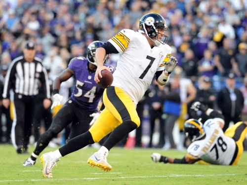 A hobbled Big Ben struggled against Baltimore as Pittsburgh lost their third straight game. (Getty Images)